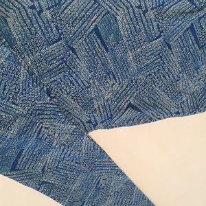 Lularoe Leggings TC blue bkgrnd w/blue pattern